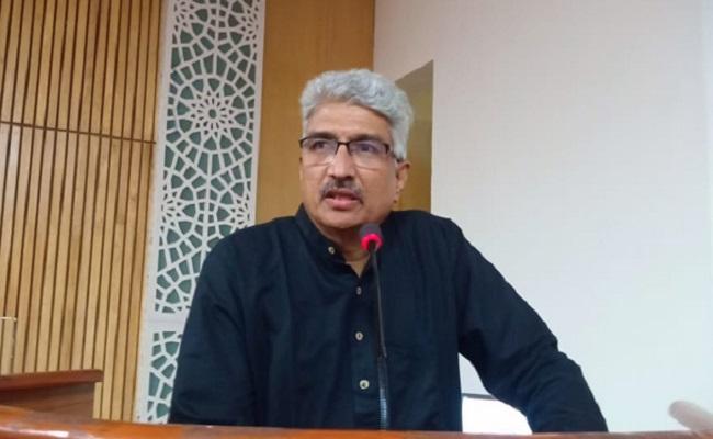 జగన్ జాతీయ మీడియా సలహాదారు ఏం చేస్తున్నారో!