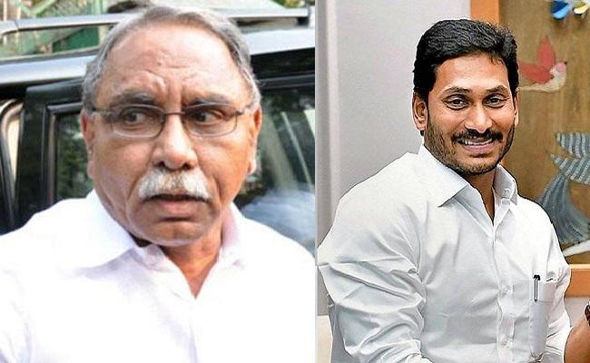 వైఎస్ కోటరీ vs వైఎస్ జగన్