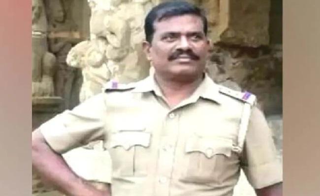 మన్మథ సీఐ లీలలు చూడ తరమా...