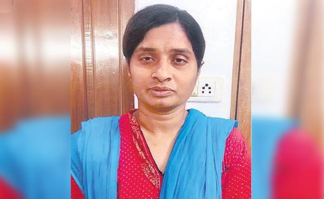తవ్వే కొద్దీ బయటపడుతున్న 'స్మృతి' లీలలు