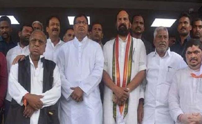వెనుకంజలో.. కాంగ్రెస్ 'ముఖ్యమంత్రులు'!